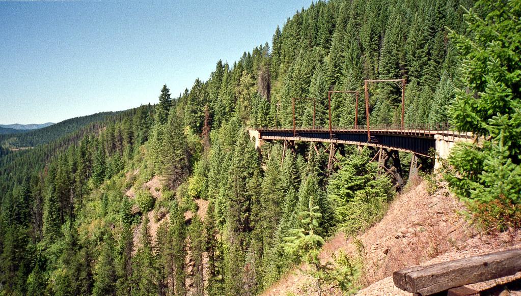 5816223853 fb8273ce50 b - Electric Railroad through the Rockies