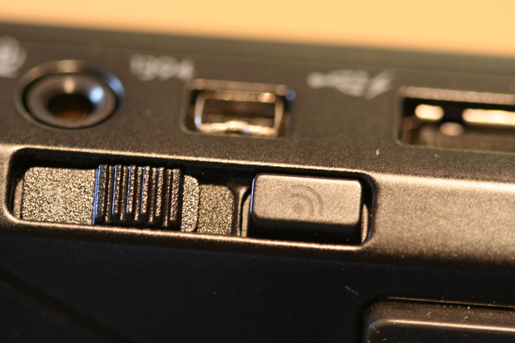Wireless switch Dell Latitude E4300 | Where is the Wireless