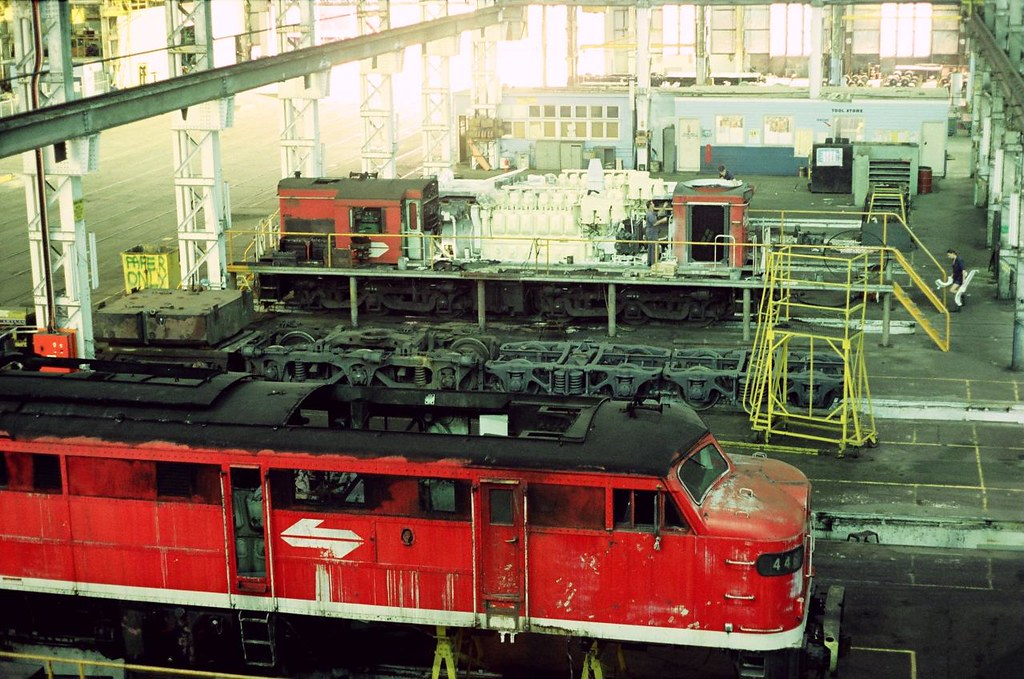 HS01-07 1993-03-19 4464 and 48101 at LMC Chullora by David Johnson