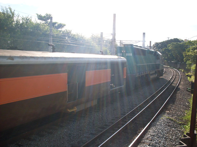 Trem Minas - Vitória o único no Brasil que ainda transporta pessoas.