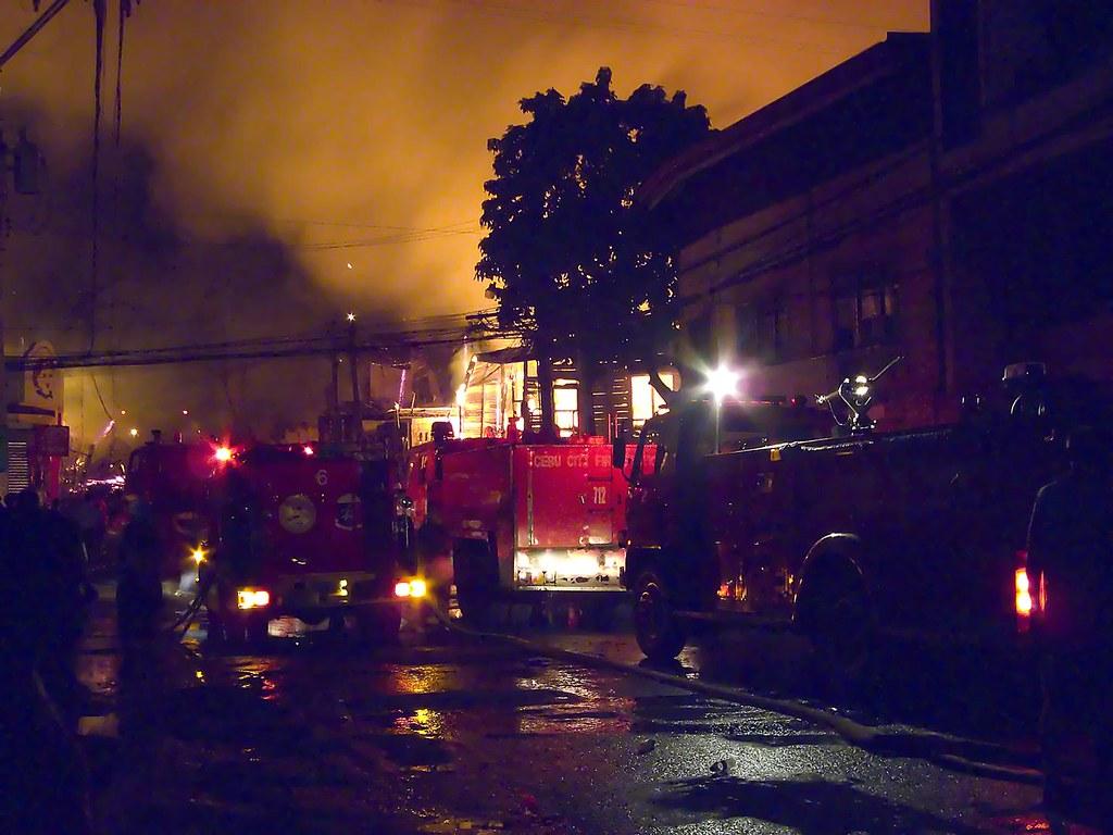 Fire broke out burning houses at R Landon Street, Cebu Cit… | Flickr