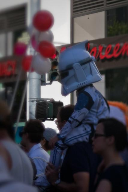 Bay to Breakers 2009: lil' clone trooper!