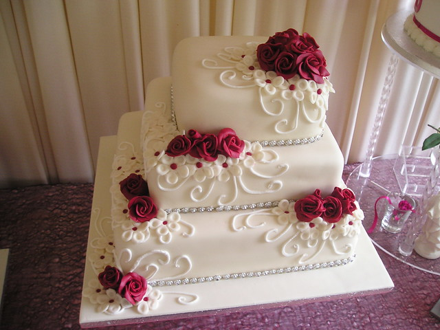 Ivory & Berry Red square wedding cake