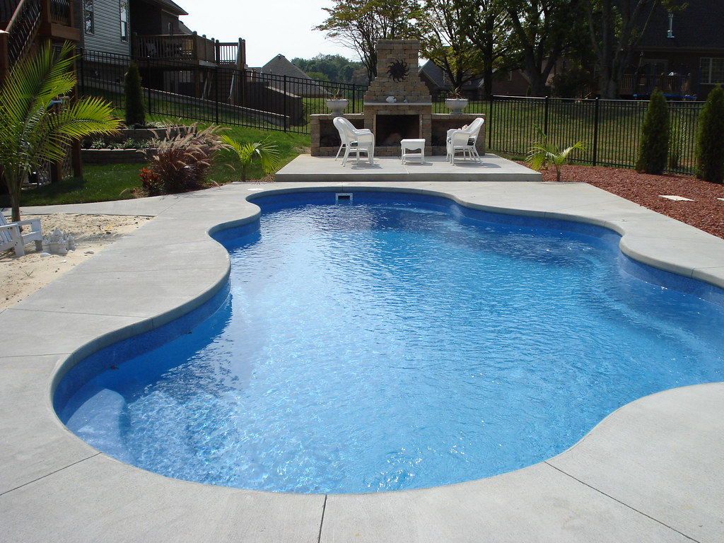 Caribbean 25a ~ Viking Pools ~ Free Form ~ Clearwater Fibe ...