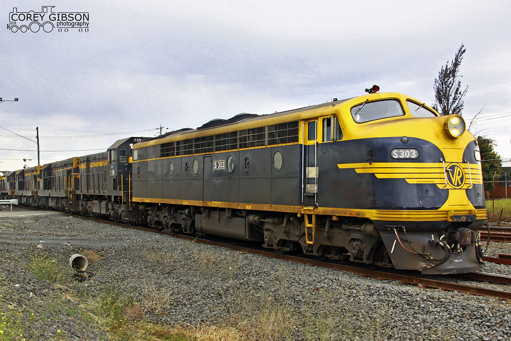 S303, T378, T320, T341, T333 & T357 about to enter the Geelong Grain loop by Corey Gibson
