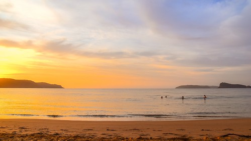 uminabeach sunrise nature dawn mountains nswcentralcoast newsouthwales clouds swimmers nsw people beach australia centralcoastnsw umina outdoors photography seascape oceanbeach waterscape landscape sky water sea