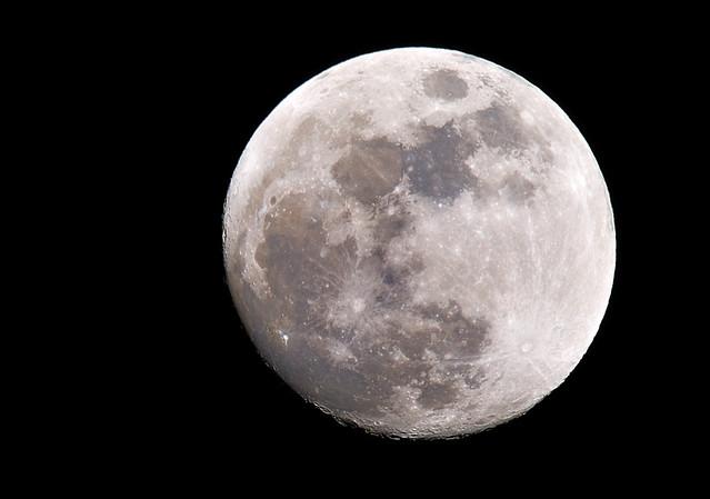 Luna * Moon