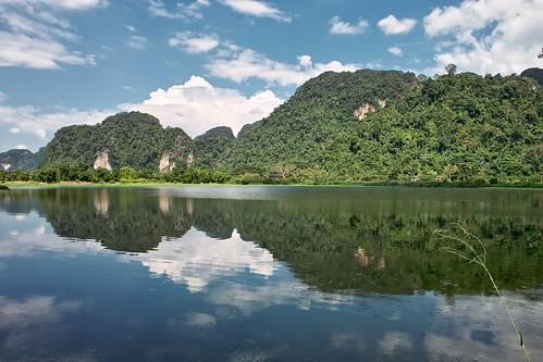 cloud lake reflection landscape asia southeastasia bluesky malaysia karst ipoh perak 怡保 limestonehill lusciousgreen sigmadp1 kintavalley