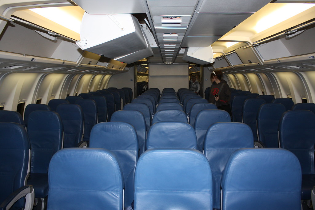 Delta Air Lines 767 economy cabin (Part 1) | Taken after my