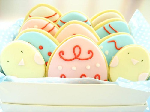 box of easter cookies | by hello naomi