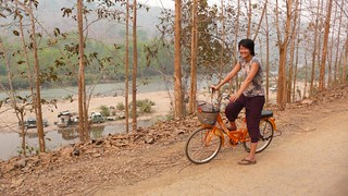the looong ride back to luang prabang | by hopemeng