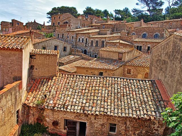 Tossa De Mar - Behind the Medieval Walls