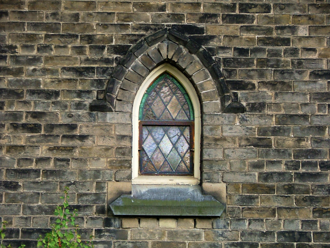 Pointed arch window - a photo on Flickriver