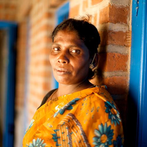 portrait people woman india handheld dslr chennai 2009 hotornot photographyrocks efllens canoneos5dmarkii