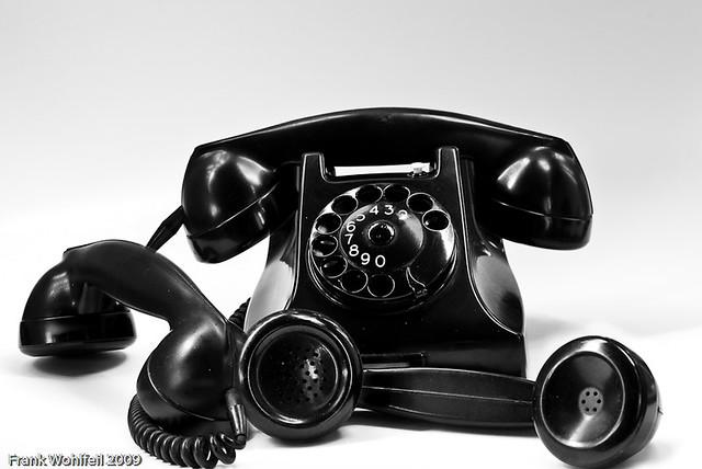 Telefon mit Hörer-2