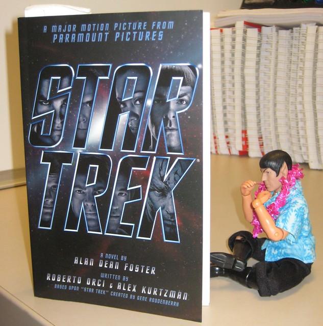 Spockcation 2009:  Spock reading the Star Trek (2009) novelization