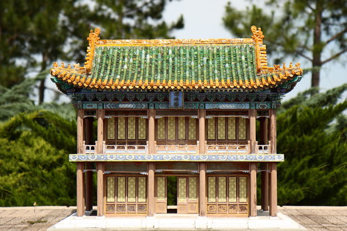 china building statue museum model texas katy outdoor tomb statues structure replica terracottawarriors rows warrior warriors forbiddencity forbiddengardens guardians qindynasty replicas canonefs1755mmf28isusm firstemperorofchina discoveredin1974