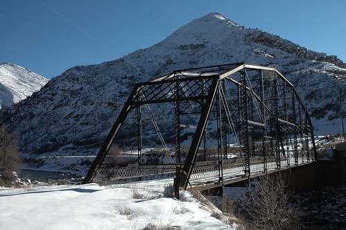 travel bridge winter usa snow ski mountains water architecture river photo colorado photos steel bridges historic coloradoriver rockymountains span glenwoodsprings bridging truss garfieldcounty nationalregisterofhistoricplaces nrhp skyarchitecture bridgepixing bridgepix bridgeblog 85000212 southcanonbridge exit111interstate70 historicbridgescolorado southcañonbridge