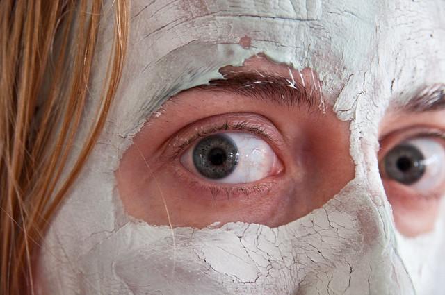 masque à l'argile posé
