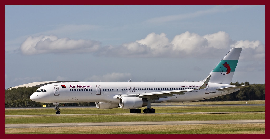 Air Niugini 757 leaving Brisbane-1&