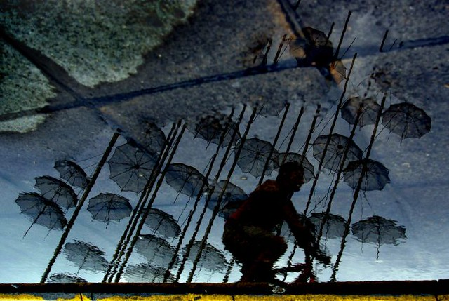 umbrellas refl - stavrosstam