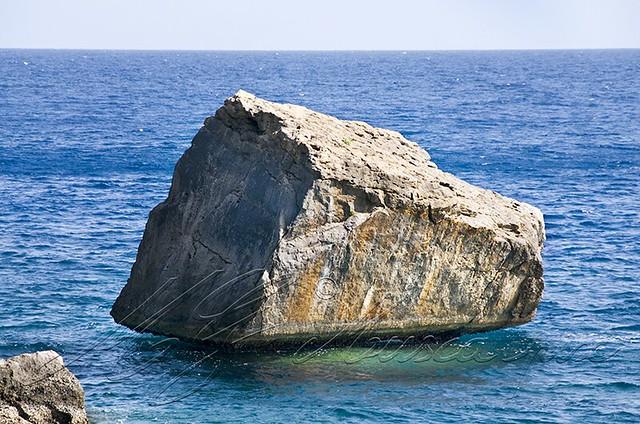St Barth rocher sur la mer