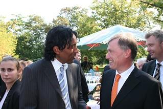 Bundespräsident Horst Köhler und Cherno Jobatey   by Jobatey
