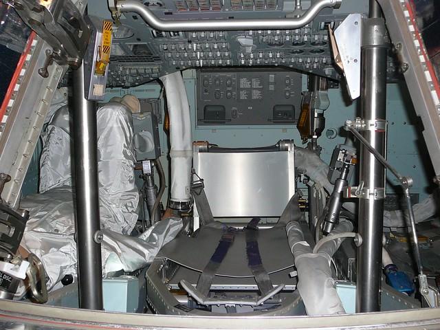 apollo capsule interior - 640×480