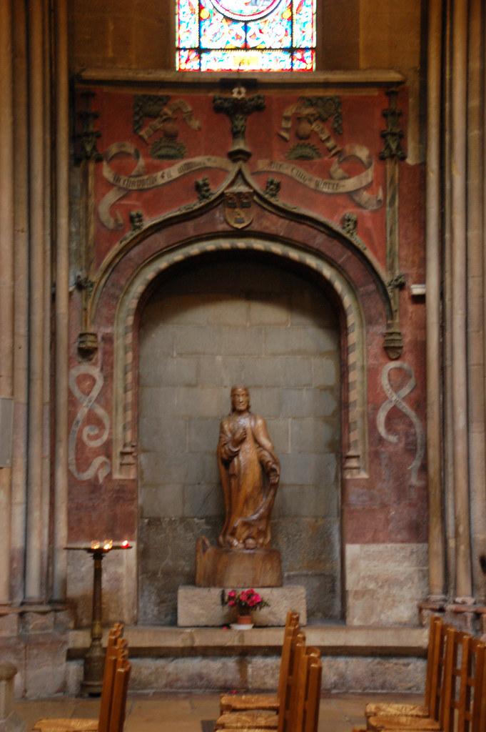 Eglise de Notre-Dame Dijon - niche with fresco