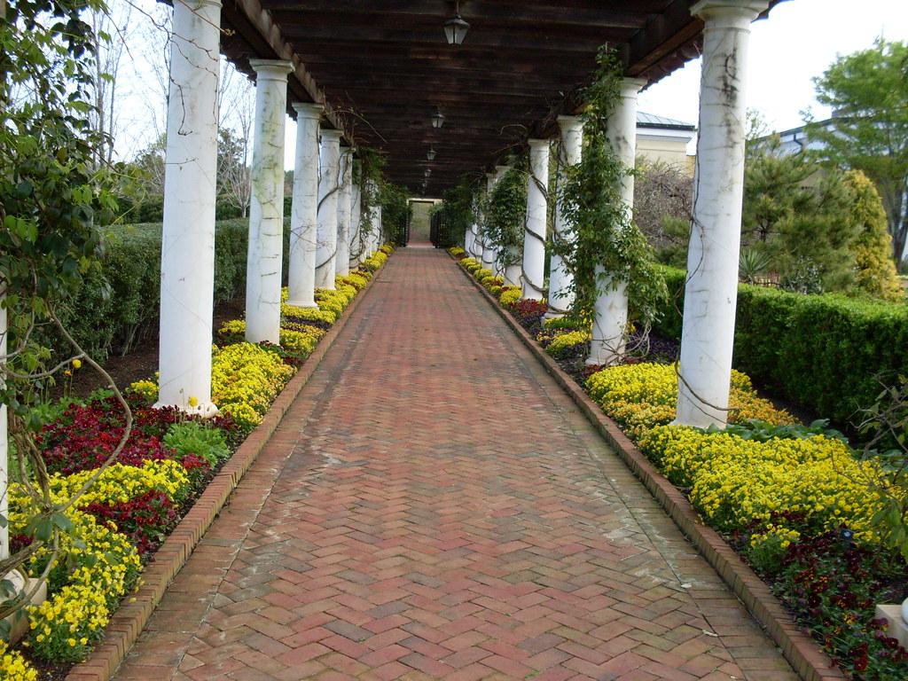 Walkway, Daniel Stowe Botanical Garden