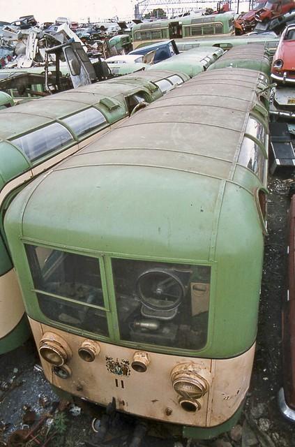 3566737423 8d9f129a69 z - The Southend Pier railway
