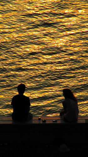 sunset ny couple romance hudsonriver rhinecliff thearch1