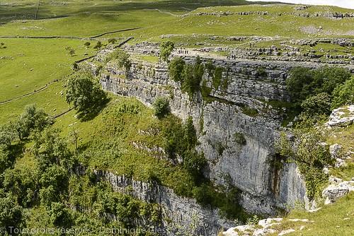 uk cliff landscape unitedkingdom yorkshire angleterre paysage falaise malham yorkshiredales malhamdale malhamcove