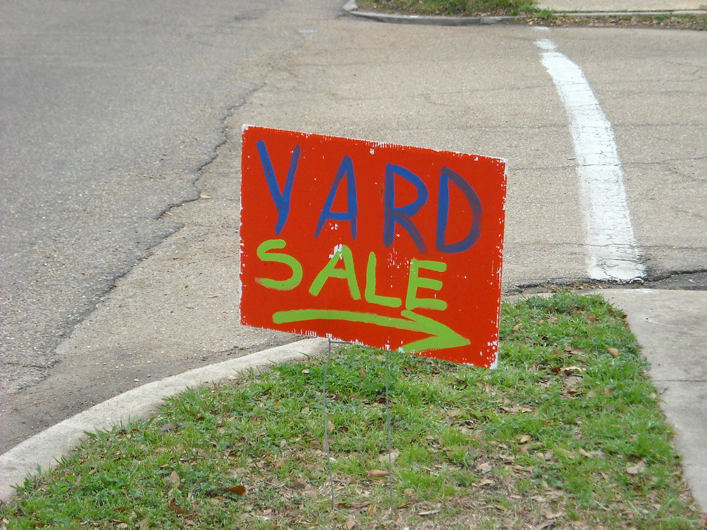 Artsy yard sale sign
