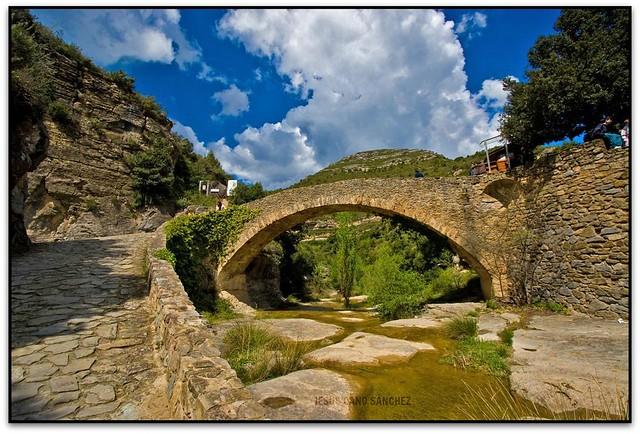 Pont sobre el Rossinyol, Priorat de Sant Miquel del Fai (el Moianès)