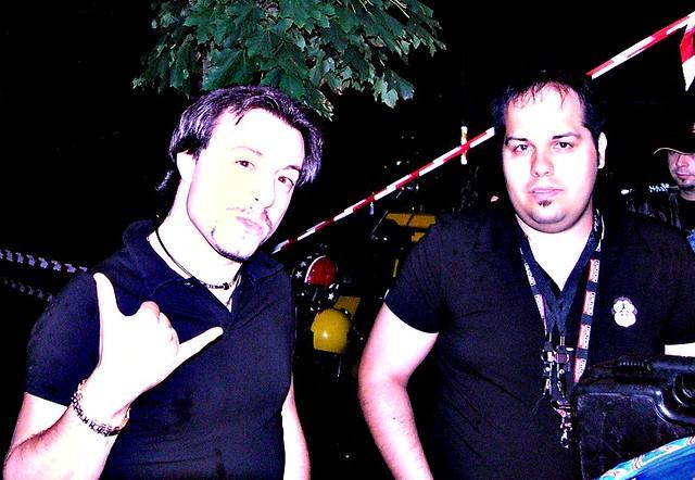 Paolino DJ con un promoter della manifestazione di Zeccone (PV)