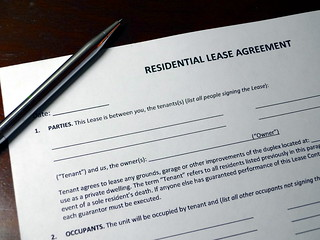 Residential Lease Agreement with Pen | by rentalrealities