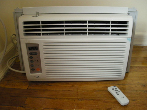 Air Conditioner 80 The Zw6500r 6 500 Btu Electronic