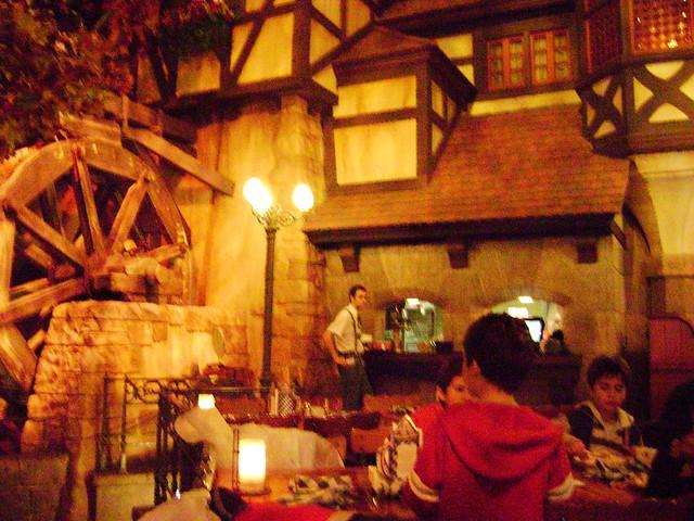 Biergarten Restaurant, Germany, World Showcase, Epcot, WDW '09 - www.meEncantaViajar.com