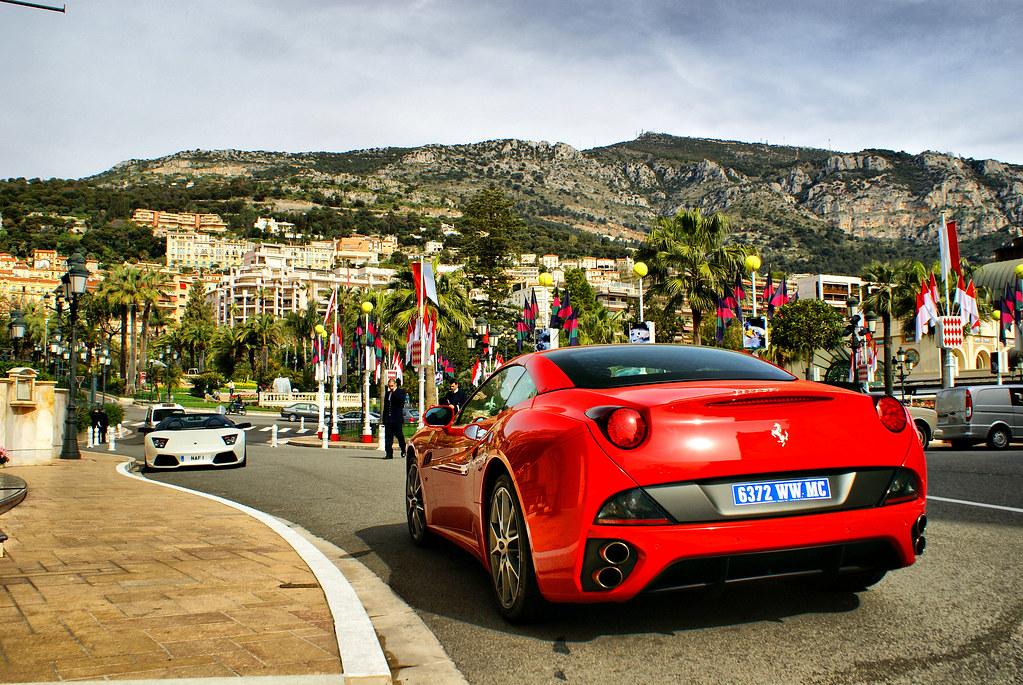 Ferrari California And Lamborghini Parked In Front Of Hote Flickr