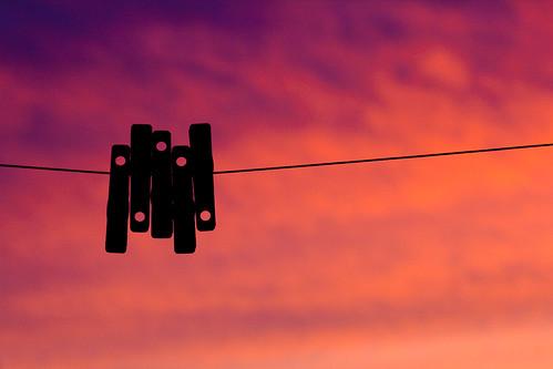 sunset silhouette minimalism coucherdesoleil clothespeg épingleàlinge