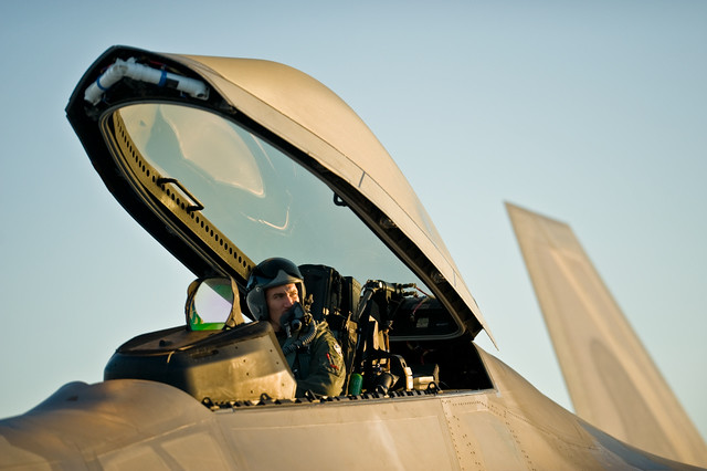 F-22 Raptor Cockpit   The F-22 Raptor is the Air Force's new