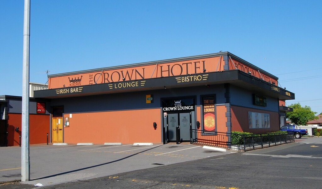 Crown Hotel, Revesby, Sydney, NSW