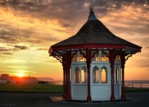 uk sea england sunrise unitedkingdom victorian promenade shelter bexhill larigan phamilton welcomeuk licensedwithgettyimages
