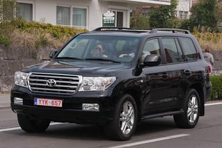 Toyota Land Cruiser V8 | by SuperCarFreak