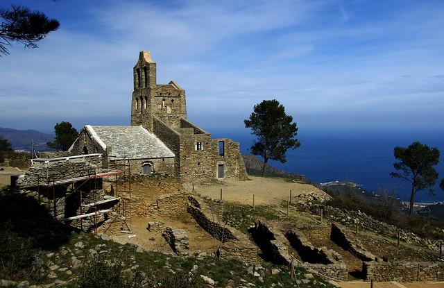 L'antic poble de Santa Creu / Abandoned medieval village