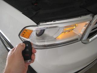 2014 Dodge Durango SUV - Testing Smart Key Fob After Changing Battery - Parking Lights Flashing