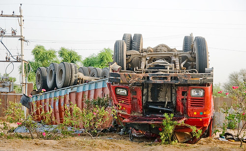 DSC09006 - Overturned Truck - Big Rig Accident (India) | by loupiote (Old Skool) pro