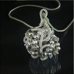 french coiled metal pendant tutorial | by picadilly jewelry