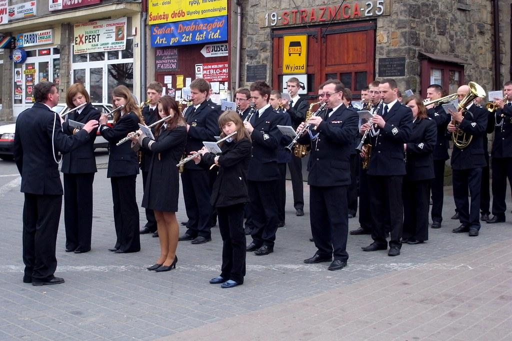 Jest w orkiestrach dętych jakaś siła / Brass band power